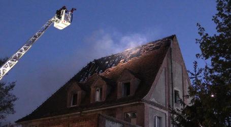 Pożar budynku byłego Sanepidu w Pile