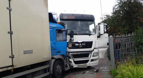 Wypadek 3 pojazdów w Ujściu