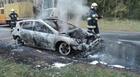 Pożar samochodu osobowego