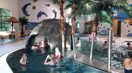 Uczniowie pojechali do aquaparku