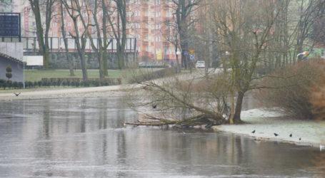 Woda w rzekach powoli zaczyna opadać