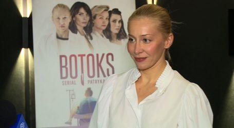 Katarzyna Warnke: jestem ciekawa, co się wydarzy psychicznie we mnie po ogoleniu skóry na łyso