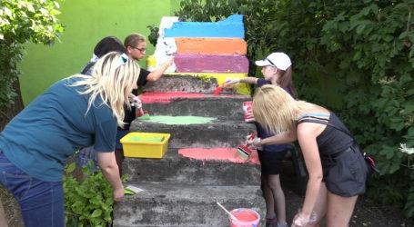 10. kolorowych schodów