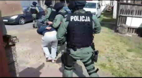 100 policjantów zatrzymało 8 przestępców – VIDEO
