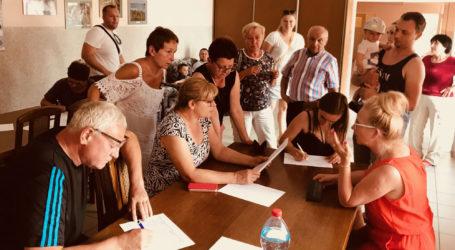 Zbierali podpisy w sprawie S11 i sygnalizacji świetlnej w Dobrzycy