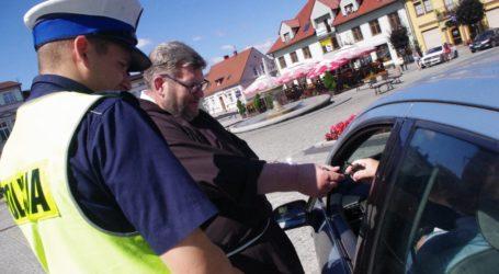 Ksiądz razem z policjantami zatrzymywał samochody