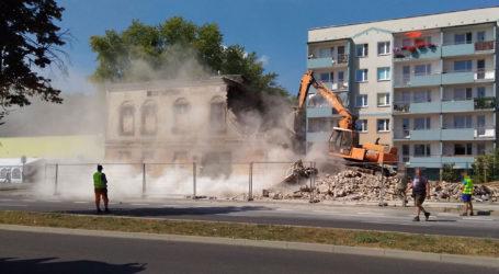 Wyburzyli starą kamienicę w Pile