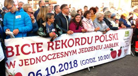 Biliśmy Rekord Polski w Jedzeniu Jabłek