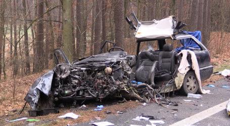 Tragiczny wypadek na DK11. Nie żyje 22-letni kierowca