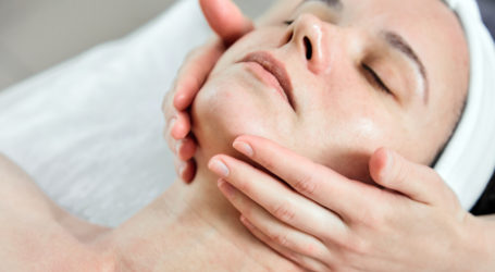 Różne odmiany profesjonalnego peelingu – co warto o nich wiedzieć?