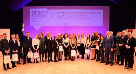 """Uczniowie pilskiej """"Nafty"""" wygrali Mistrzostwa Powiatu w Debatach Oksfordzkich"""