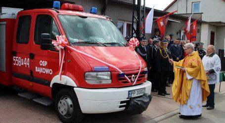 OSP w Bąkowie ma nowy wóz ratowniczo-gaśniczy