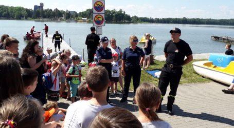 Bezpiecznie nad wodą- policjanci i strażacy dla dzieci