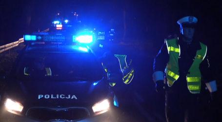 42-latek kompletnie pijany usnął za kierownicą i blokował drogę