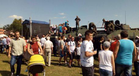 Tłumy na Pikniku Rodzinnym z okazji Święta Wojska Polskiego