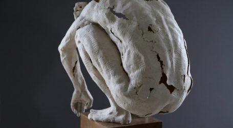 Rzeźba/ hologram Jarosława Boguckiego w Galerii BWA w Pile