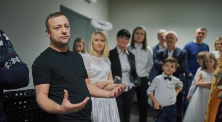 """Czesław Mozil i pilscy muzycy nagrali piosenkę """"Jasełka"""""""