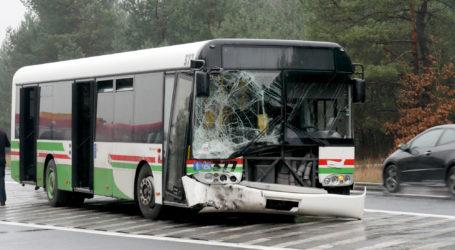 Trzy osoby ranne po wypadku autobusu – AKTUALIZACJA